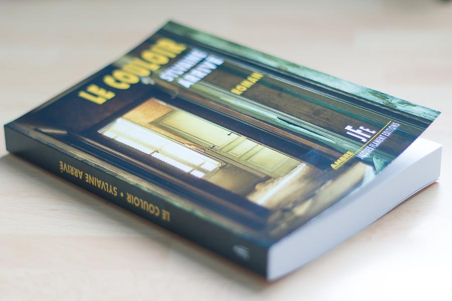 Couverture de roman : Le couloir